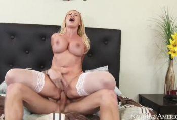 Сборник порн видео силиконовые дойки
