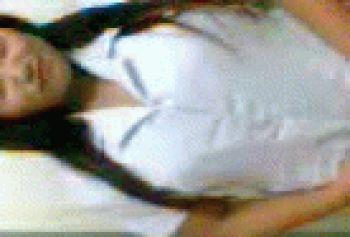 стриптиз узбечек: Девушка снимает трусики и лифчик